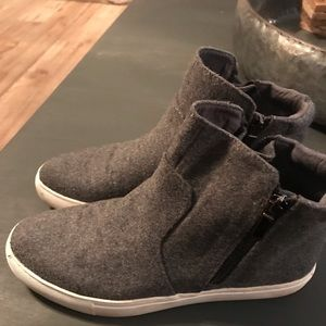 Shoes - Kenneth Cole wool shoes